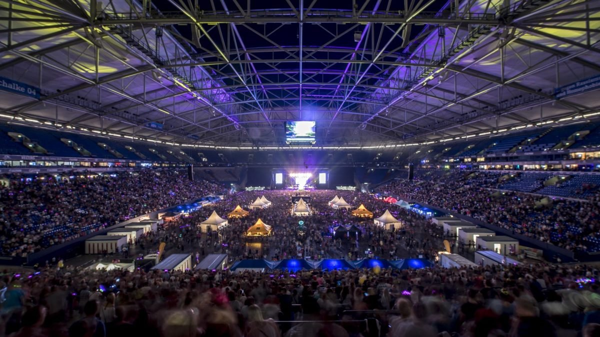90er party veltins arena 2019